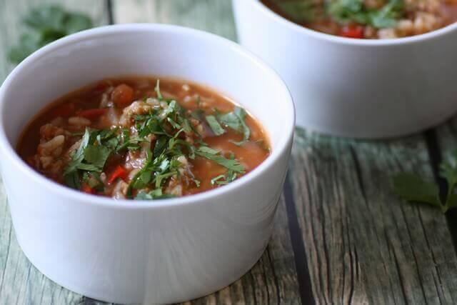 מרק עגבניות, אורז ופלפלים - טבעוני, מהיר וקל להכנה