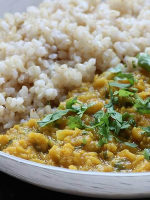 דאל עדשים כתומות ואורז מלא