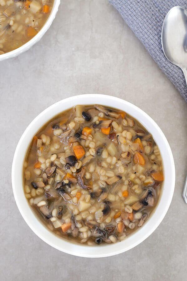 מרק קרופניק - מרק פטריות וגריסים בבלוג כל הדברים הטובים