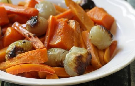 ירקות כתומים צלויים בתנור (טבעוני, ללא גלוטן)