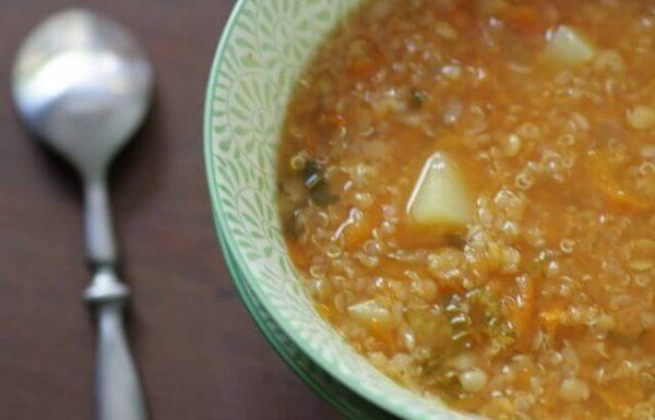 מרק עדשים כתומות וקינואה (טבעוני, ללא גלוטן)